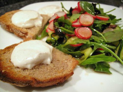 salade-courgette-olive-tartine-chèvre-frais-01